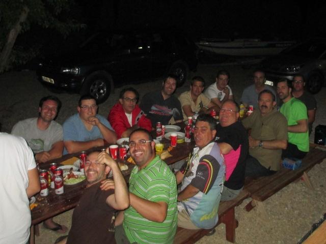 De izquierda a derecha y de arriba a abajo: David, Emilio, Fede, Javi Mateo, PAco, Edu, Berni, Sabalete, Javivi, el Presi, Paco Revert, Juanito, Richi y Cisco.